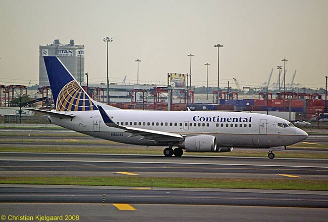 A Boeing 737-500 of Continental Airlines at the carrier's Newark hub