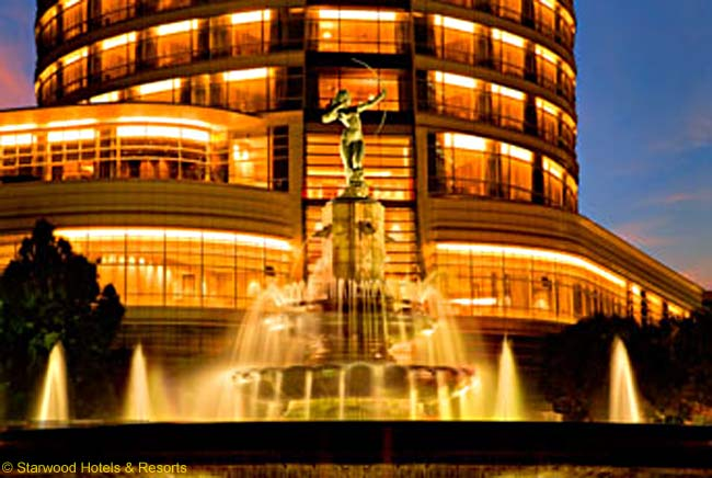The St. Regis Mexico City and the Plaza of Diana