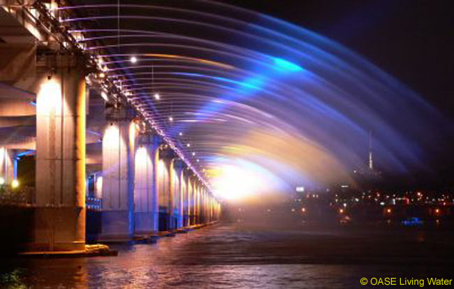 The 1.4-kilometer-long Banpo Bridge in Seoul is now the world's longest and largest waterfall bridge, following installation of 380 water jets by German company OASE Living Water