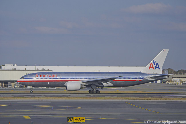 American Airlines operates a fleet of 47 Rolls-Royce Trent 892-powered Boeing 777-200ERs on long-haul routes from the U.S. across the Pacific and the Atlantic, as well as to South America