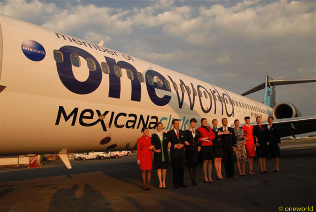 A MexicanaClick Boeing 717 is one of the first two Mexicana group aircraft to be painted in oneworld alliance colors following the entry of Mexicana along with subsidiaries MexicanaClick and MexicanaLink to the alliance on November 10