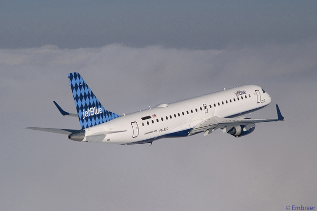 JetBlue Airways has a two-aircraft-type fleet, which includes a large number of Embraer 190s (like the one seen here) as well as Airbus A320s