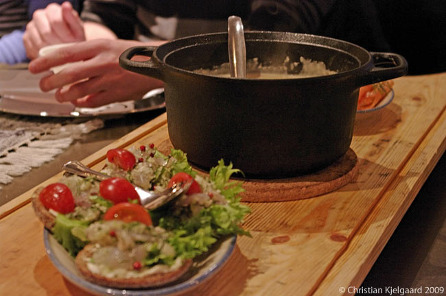 The restaurant Tiukku on top of Levi fell, the highest point in Finnish Lapland, serves delicious, authentic Lappish food such as smoked reindeer cheese soup and smoked salmon and whitefish open sandwiches on traditional malted rye bread