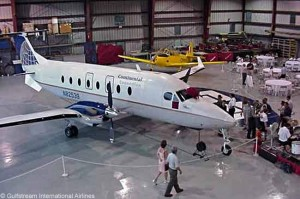 Gulfstream International Airlines operates a fleet of 21 Beech 1900Ds on scheduled services to nine destinations in Florida, 10 in the Bahamas and six in Ohio. It operates as a Continental Connection carrier but also has codeshares with United Airlines and with Pana's Copa Airlines