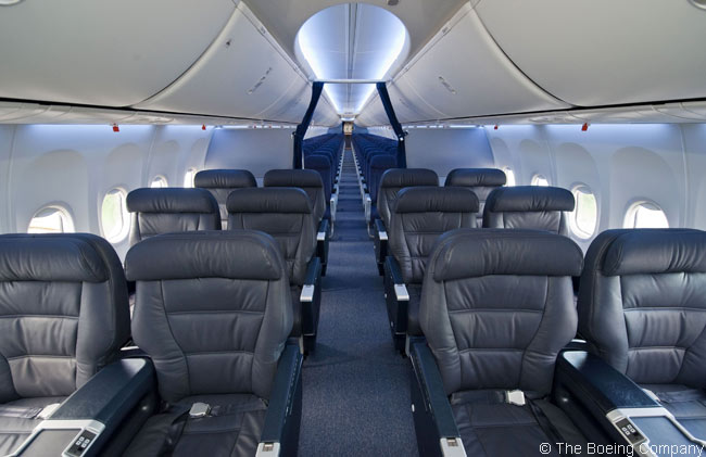 This is how the new Boeing Sky Interior looks in the business-class section of a 737-800 of Copa Airlines, the first carrier in Latin America to take delivery of an aircraft featuring the new Boeing interior