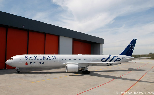 Delta Air Lines is one of only two operators of the Boeing 767-400ER and has 21 of the type in its fleet, operating them mainly on routes linking the U.S. with South America and Europe. This photograph shows a Delta 767-400ER bearing the SkyTeam Alliance livery