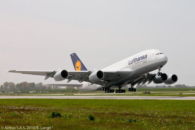 On September 29, 2011, Lufthansa's Supervisory Board approved the purchase of two additional Airbus A380s, four A320s and one A330-300