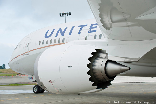 This unusual shot of a United Airlines Boeing 787-8 shows off the scalloped rear edge of each GEnx-1B engine to good effect. The scalloping of the nacelle, also known as chevroning, is a Boeing technique to reduce engine noise