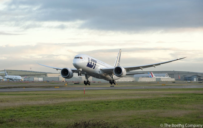 LOT Polish Airlines' first Boeing 787 takes off on its delivery flight to Warsaw on November 14, 2012