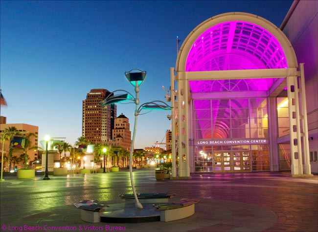 The Long Beach Convention Center and the associated Arena and Terrace Theater – which together make up the Long Beach Convention & Entertainment Center – attract dozens of large conventions and meetings each year, swelling the city's visitor numbers by hundreds of thousands or even millions of people