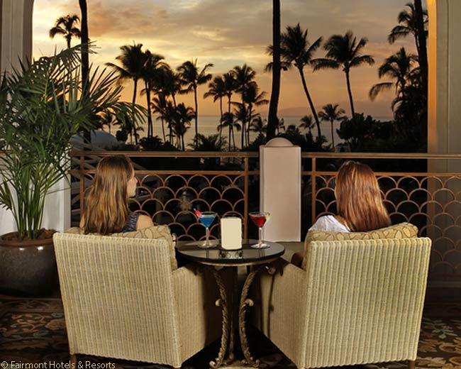 The Luana Lounge at the Fairmont Kea Lani is a relaxing place to watch the sun sink into the Pacific Ocean