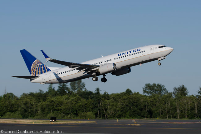 The first United Airlines Boeing 737-800 fitted with new split scimitar winglets from Aviation Partners Boeing takes off on its maiden test flight on July 16, 2013. The aircraft flew from Pained Field in Everett, Washington