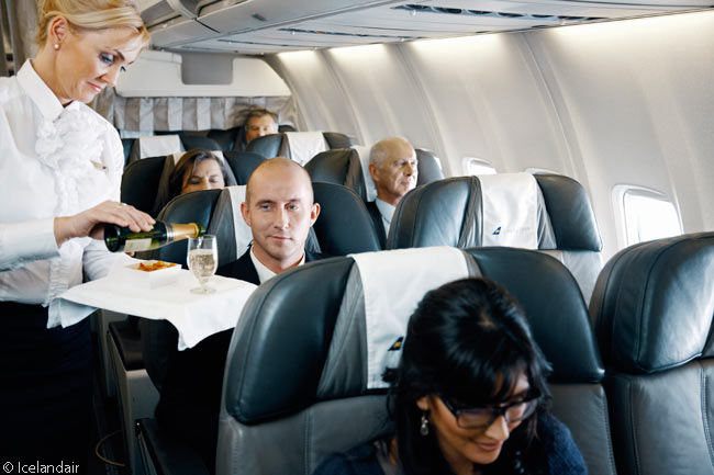 As in almost every airline's Business Class cabin, Icelandair's Saga Class cabin service offers each passenger a free glass of sparkling wine after he or she boards and is seated