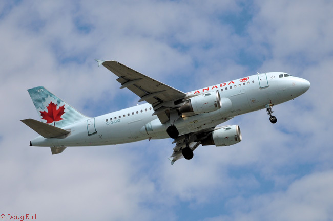 Air Canada has 35 Airbus A319s in service, many of which are being transferred to its new leisure wing Air Canada rouge. This Air Canada A319 is registered C-GARG