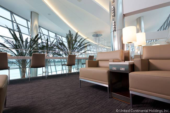 United's new Club lounge at San Diego International Airport features spectacular views of the Point Loma seaside community