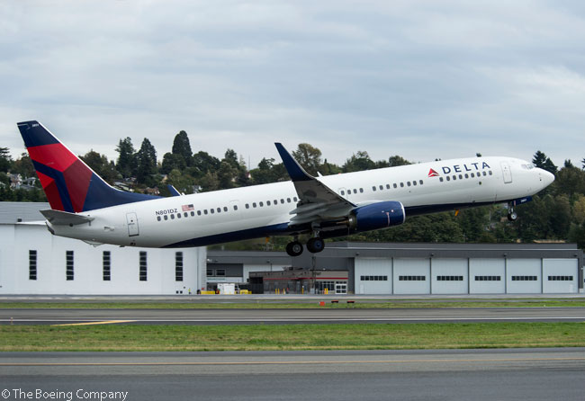 Delta Air Lines took delivery on September 30, 2013 of the first of 100 new Boeing 737-900ERs ordered directly from the manufacturer