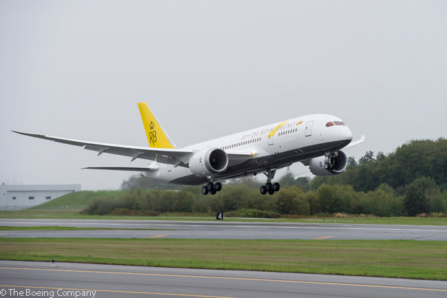 Royal Brunei Airlines' first Boeing 787 takes off on October 2, 2013 on its 6,540-nautical mile (12,112-kilometer) non-stop delivery flight to Brunei International Airport, which serves the country's capital Bandar Seri Begawan