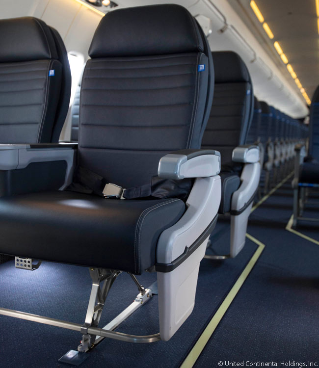 This is United Airlines' latest domestic and regional First Class seat design, as found in a Bombardier CRJ700 operating on the United Express network. United introduced the new seat design on October 3, 2013