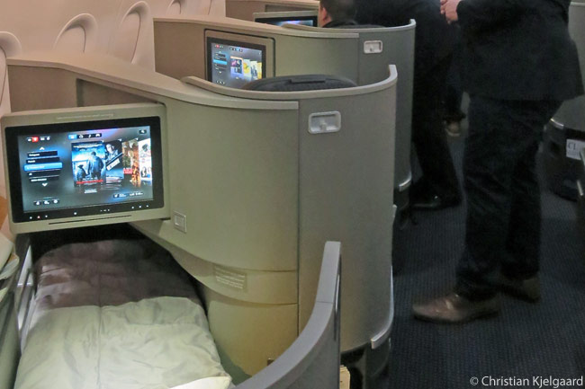 Each First Class and Business Class flat-bed seat in American Airlines' 17 specially configured Airbus A321 Transcontinental aircraft has a 15.4-inch-diameter, tilting in-flight entertainment screen. Each screen is touchcreen- and HD-capable