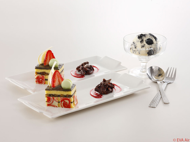 In-flight dining choices in Royal Laurel class on EVA Air's Boeing 777-300ERs include a variety of enticing desserts, as well as fruit baskets and cheese plates