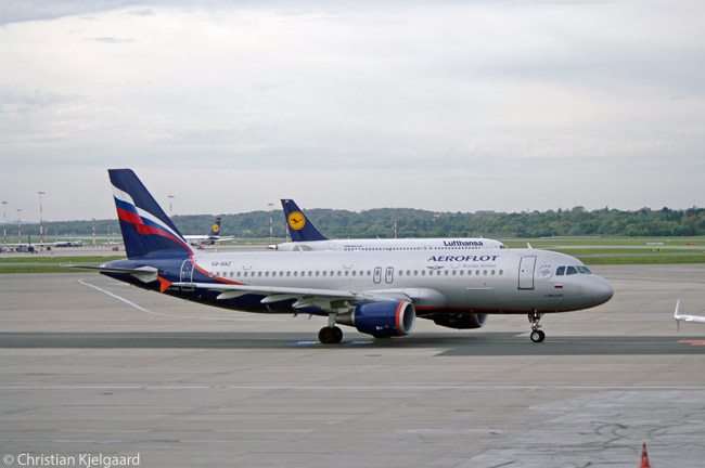 Aeroflot Airbus A320 VQ-BAZ taxis away from its docking gate at Hamburg Airport