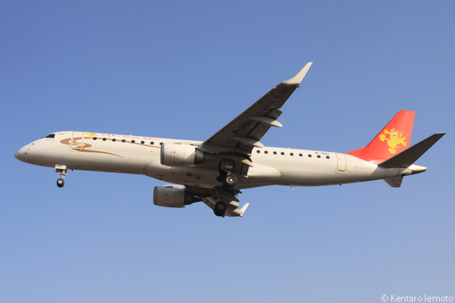 By July 17, 2014, when China's Tianjin Airlines ordered 20 more Embraer 190s along with 20 Embraer 190-E2s, the HNA Group subsidiary was already operating 50 Embraer 190s, as well as 23 Embraer ERJ-145 regional jets and 12 Airbus A320s