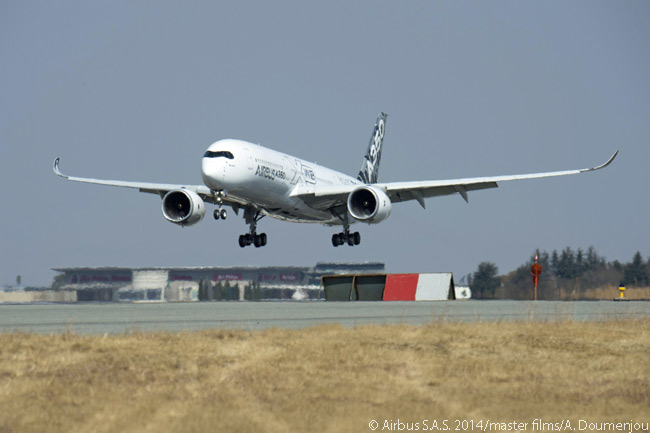 During the fifth flight-test A350-900's route-proving visit to Johannesburg's O.R. Tambo International Airport on August 4, 2014, MSN005 carried out high airfield auto-landing trials