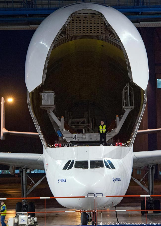 Even the first-generation Beluga outsize-cargo transporter ‒ which Airbus developed from the A300-600F airframe ‒ has a cavernous, vast main-deck hold for cargo. It appears likely that the second-generation Beluga, which Airbus is developing from the A330, will be able to carry even larger or heavier items of outsize cargo