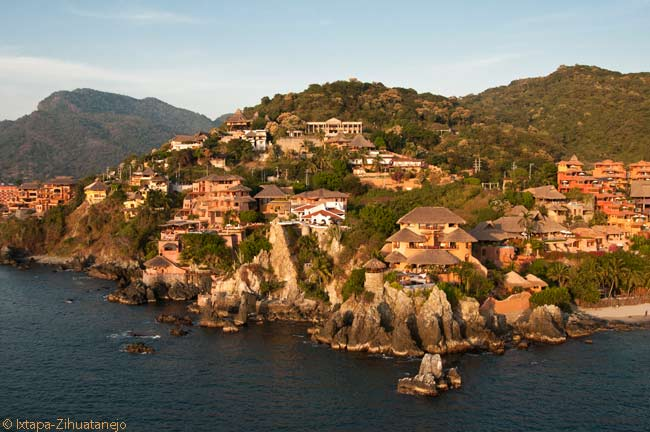 The neighboring coastal resort towns of Ixtapa and Zihuatanejo in Gerrero state on Mexico's southwestern Pacific coast have become a well-known and much-visited destination for U.S. and Canadian tourists. Several million tourists have visited the attractive resorts since the late 1990s
