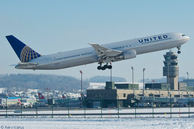 United Airlines Boeing 767-400ER N78060 takes off from Zurich Airport in February 2013