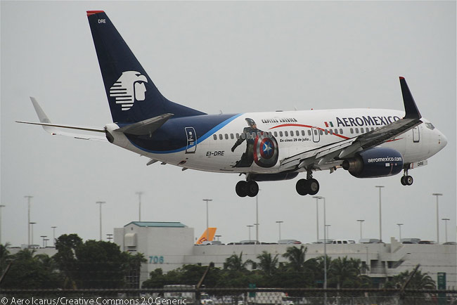 AeroMexico Boeing 737-700 EI-DRE lands at Miami International Airport in October 2011