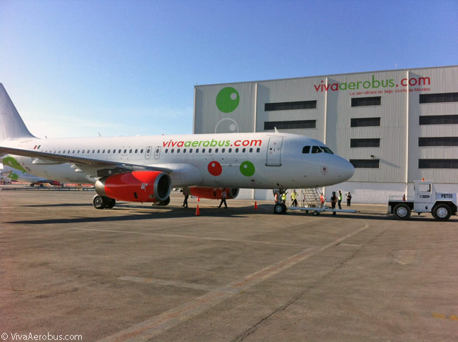 Airbus A320s eventually will replace all 14 Boeing 737-300s previously operated by VivaAerobus and the Mexican low-cost airline will become an all-Airbus operator. It has signed orders and leases for 15 A320s (optioning 10 more from Airbus) and 35 A320neos