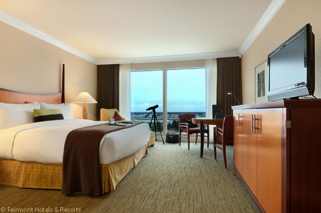 Many of the Fairmont Vancouver Airport's guest rooms overlook the airport's taxiways and runways and provide guests with views of the airport's operations, but all rooms are well sound-proofed against aircraft engine noise. This is one of the hotel's Deluxe King rooms