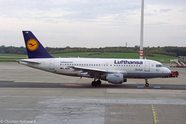 Lufthansa Airbus A319 D-AILM taxis at Hamburg Airport. The German carrier operates 30 of the type and Lufthansa Group subsidiary Germanwings also operates a significant number of A319s
