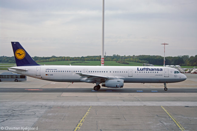 D-AIDI, seen here taxiing at Hamburg Airport, is one of 44 Airbus A321-200s operated by Lufthansa