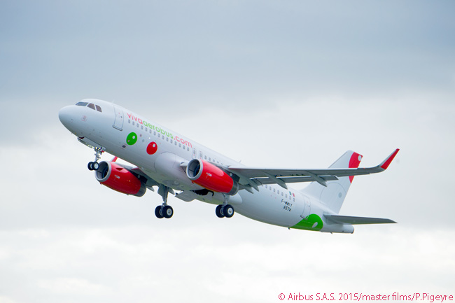 On April 15, 2015, VivaAerobus took delivery of the first of 10 new A320s the Mexican carrier ordered in 2013, along with 40 A320neos. It ordered the Airbus jets, and agreed to lease a number of used A320s, to replace its existing fleet of Boeing 737-300s