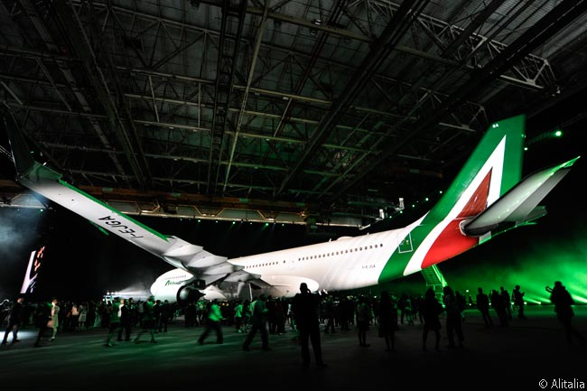 On June 4, Alitalia unveiled a redesigned livery for its aircraft and announced new branding and in-flight service initiatives