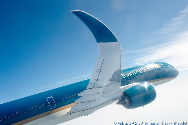 Vietnam Airlines took delivery on June 30, 2015 of the first of four Airbus A350-900s it agreed to lease from aircraft-leasing companies. The carrier also ordered 10 A35-900s directly from Airbus
