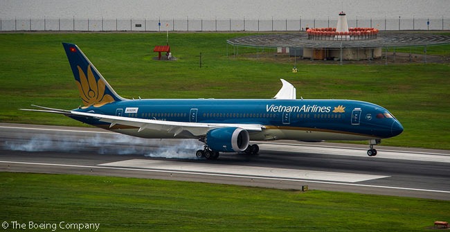Vietnam Airlines' first Boeing 787-9 touches down at Washington Reagan National Airport to be present for a July 6, 2015 ceremony marking the signing of a memorandum of collaboration between the airline and the manufacturer