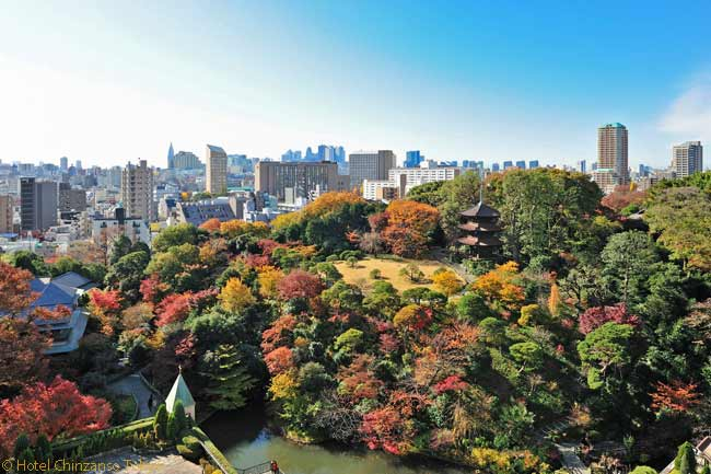 Located in the Bunkyo-Ku district of Tokyo, the Hotel Chinzanso Tokyo and the historical Chinzanso Garden next to it are about a 30-minute train or taxi ride from Tokyo's central business district of Marunouchi