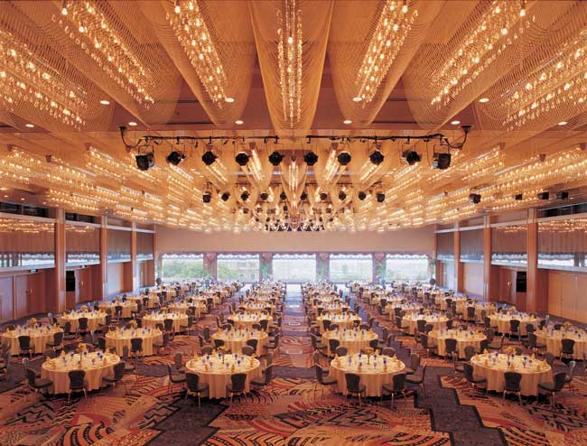 The Orion ballroom can hold 2,000 people and is the Hotel Chinzanso Tokyo's largest banqueting room