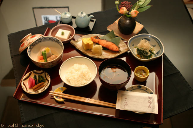 There are six Japanese restaurants in the Hotel Chinzanso Tokyo, including some which offer Japanese breakfasts, such as the Mikyuki Restaurant