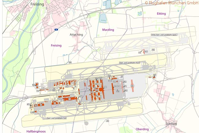 This map shows the planned location of Munich Airport's proposed third runway. The runway would be located well to the northeast of the main airport terminal complex. It would lie more than a kilometer of Runway 08L/26R, at present Munich Airport's northernmost runway