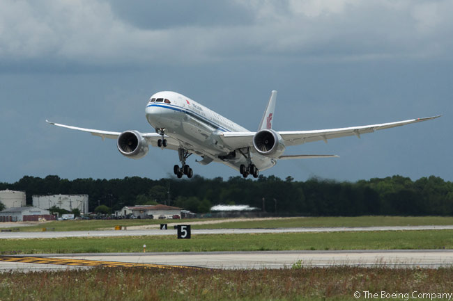 Air China unveiled its first Boeing 787-9 to the public at a ceremony in Beijing on May 25, 2016